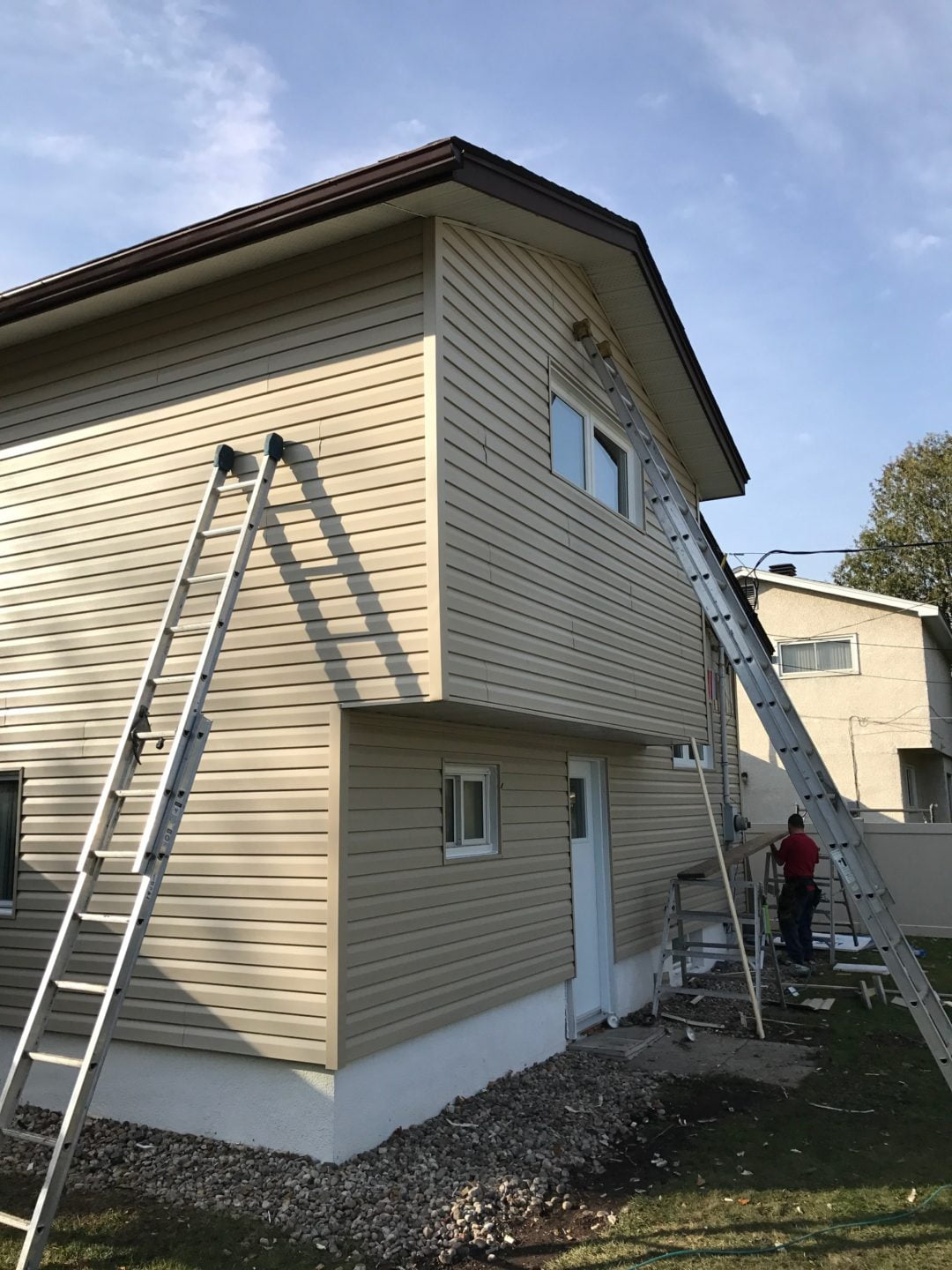 Fall Facelift in Elmvale Acres: Vinyl Siding